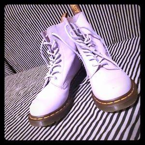 Dr. Martens LAVENDER Pascal boots
